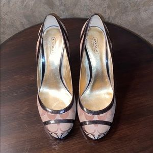 Coach Wedge Shoes 8 Signature Patent leather trim